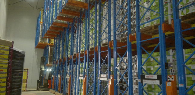 Novo Fruit Packers expansion needed Storax Mobile Racking