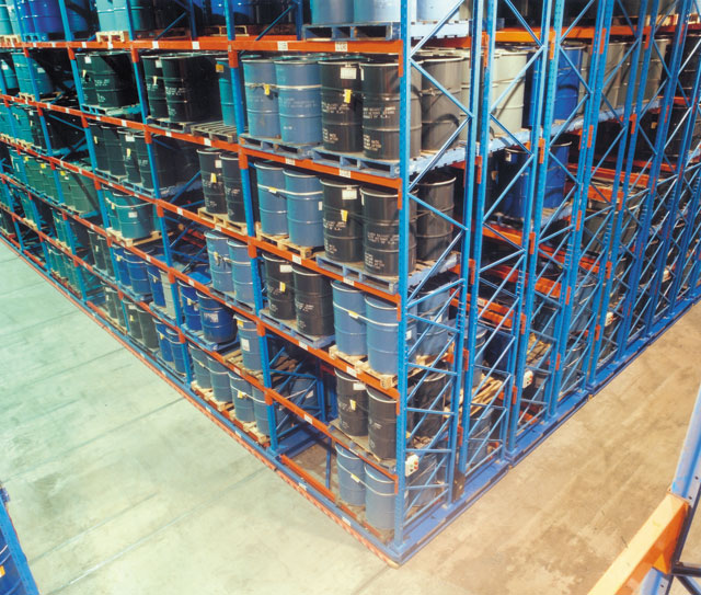 Cape Town juice concentrate store using Storax Mobile Racking